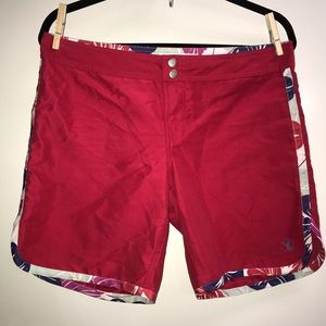 Carve designs Women's board shorts size 8
